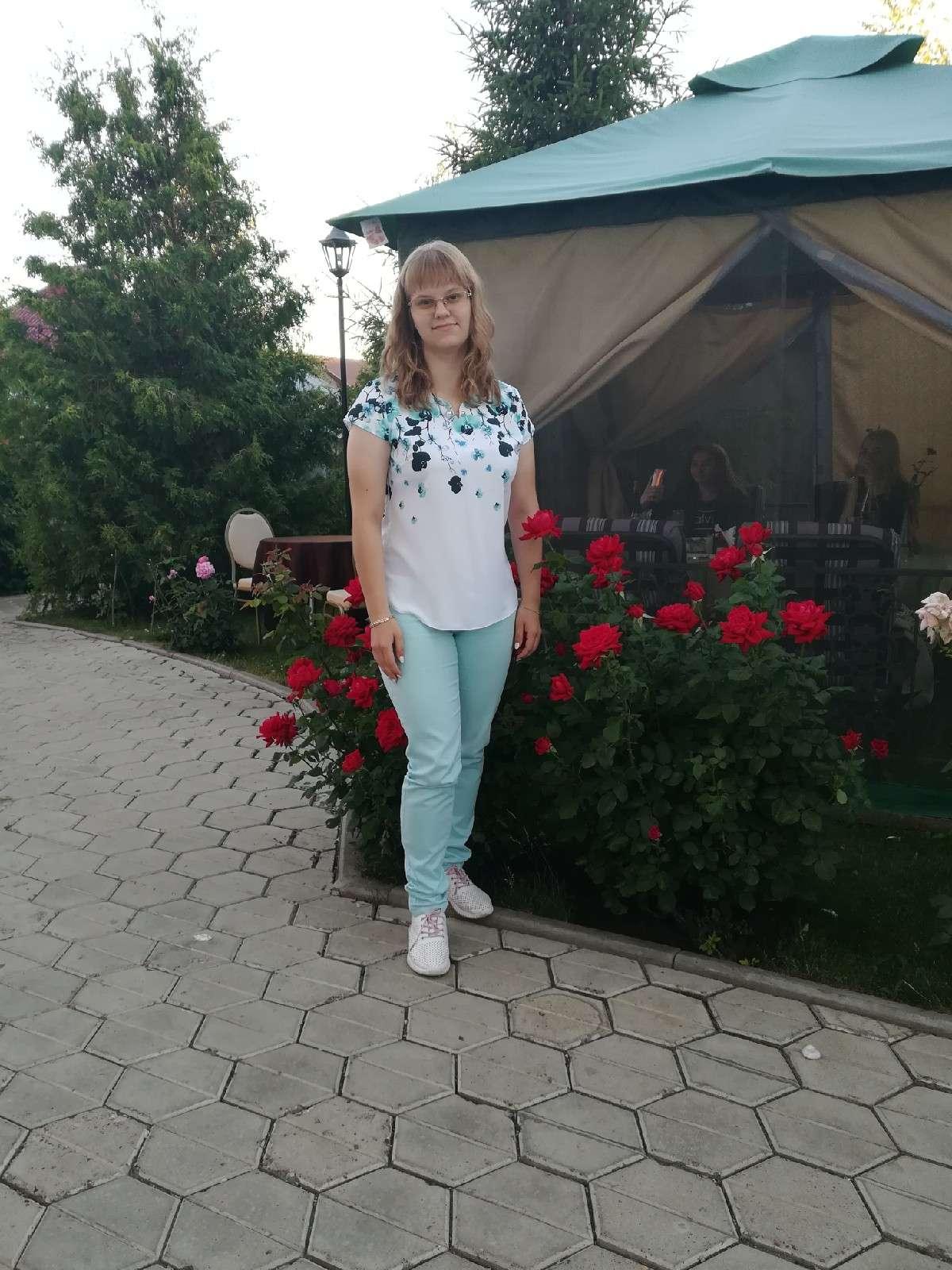 Алена Попкова