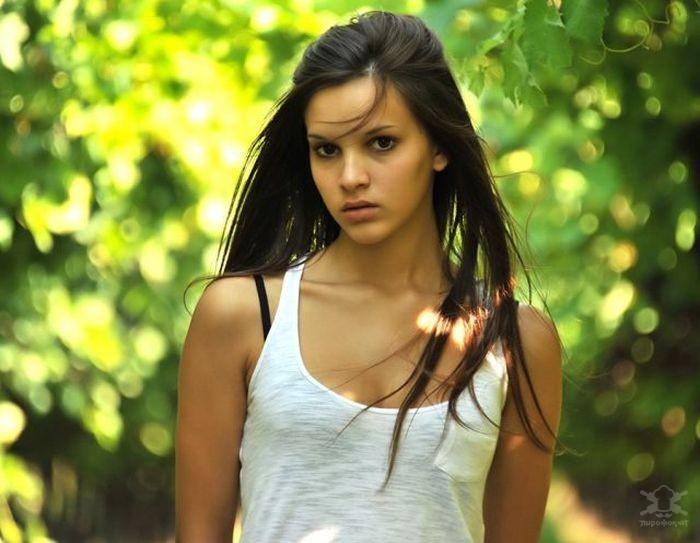 красивая девушка на фото